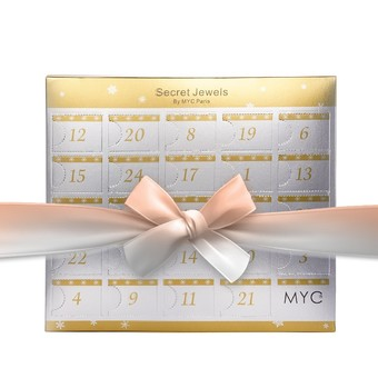 Que se cache t-il dans nos calendriers ? Disponibles en argent, or rose, ou mixte.  What is hiding in our calendars? Available in silver, rose gold or both.  #mycparis #christms #jewelry #adventcalendars #frenchbrand